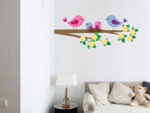 Wandtattoo für das Kinderzimmer mit Baum Bild Motiv