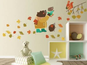 Niedliches Kinderzimmer Wandtattoo mit Baum Motiv